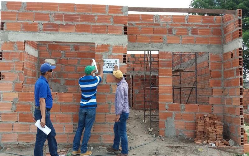 ALCALDÍA DE SOLEDAD SUSPENDE OBRAS DE CONSTRUCCIÓN EN EL BARRIO EL MANANTIAL