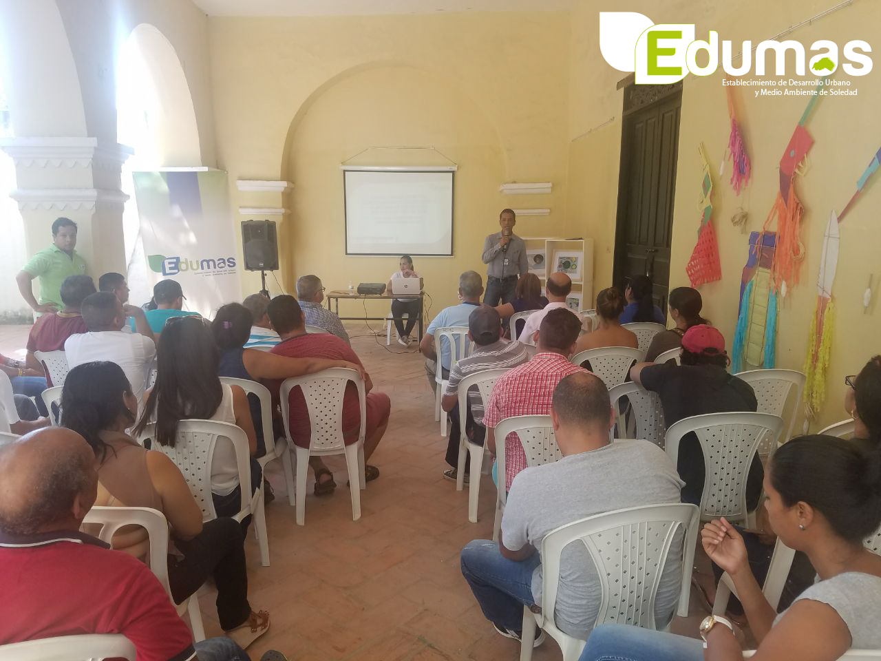 """Programa """"ponte Legal Con Lo Ambiental """"inicia Jornadas Pedagógicas A Vendedores De Comidas Rápidas"""
