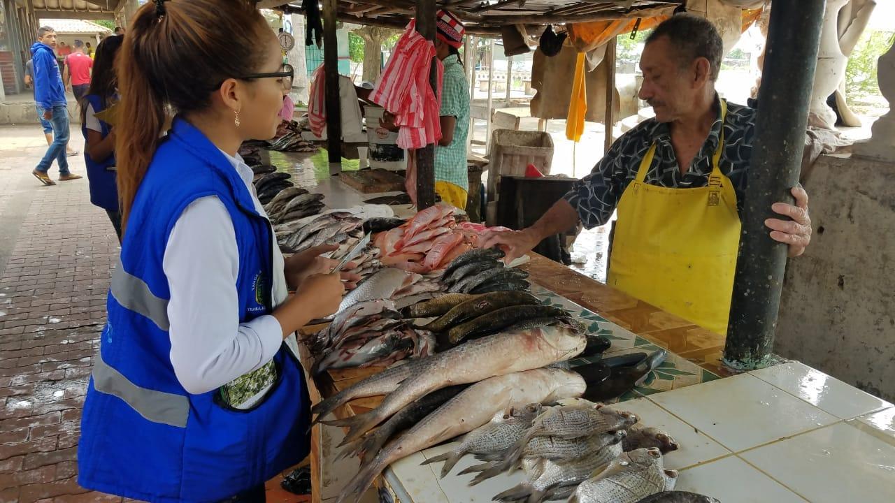 Edumas Alerta A Comerciantes Del Mercado Público De Soledad   Por Mala Disposición De Residuos