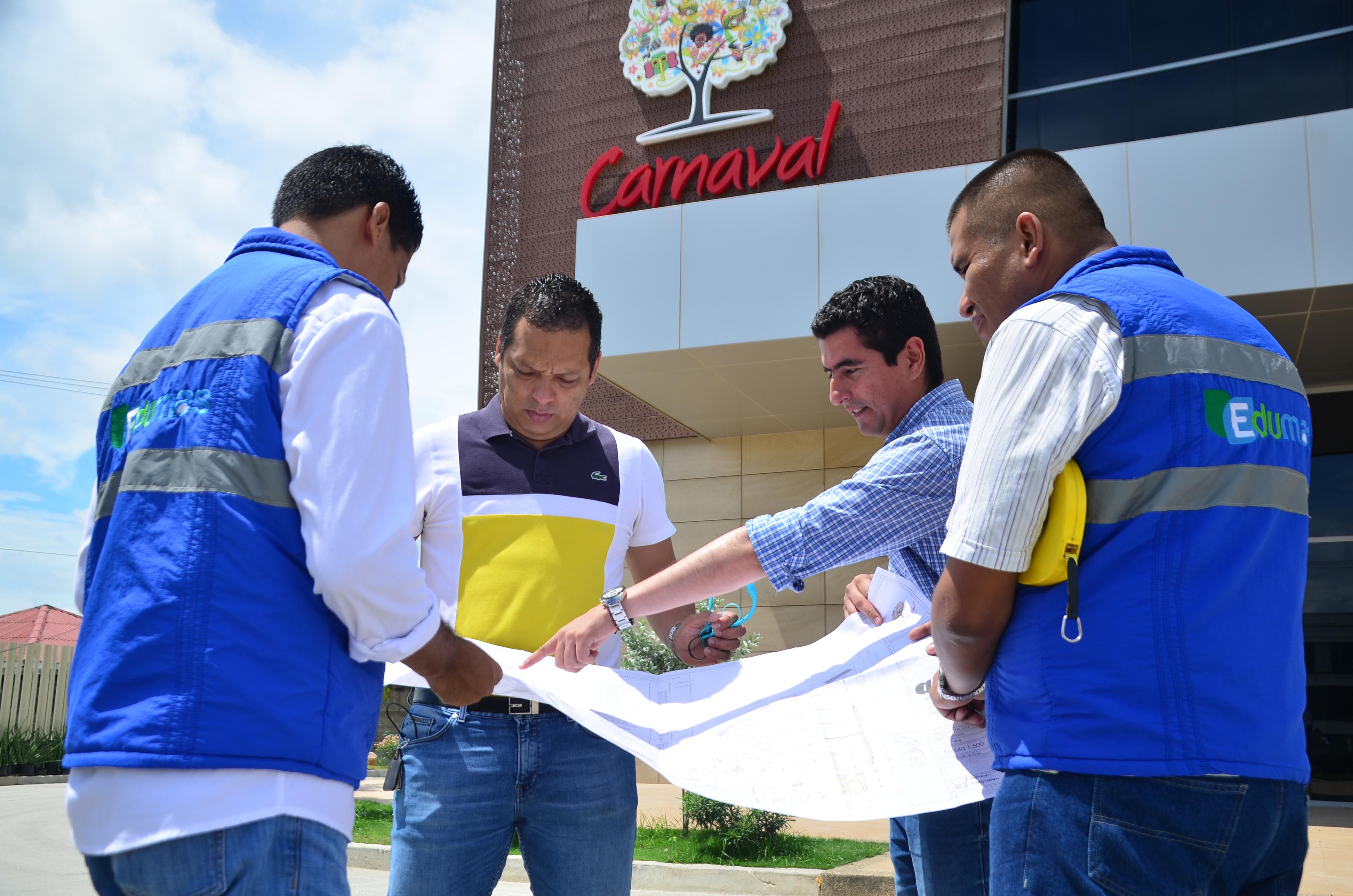 Edumas  Inspecciona Obras En Construcción En Soledad