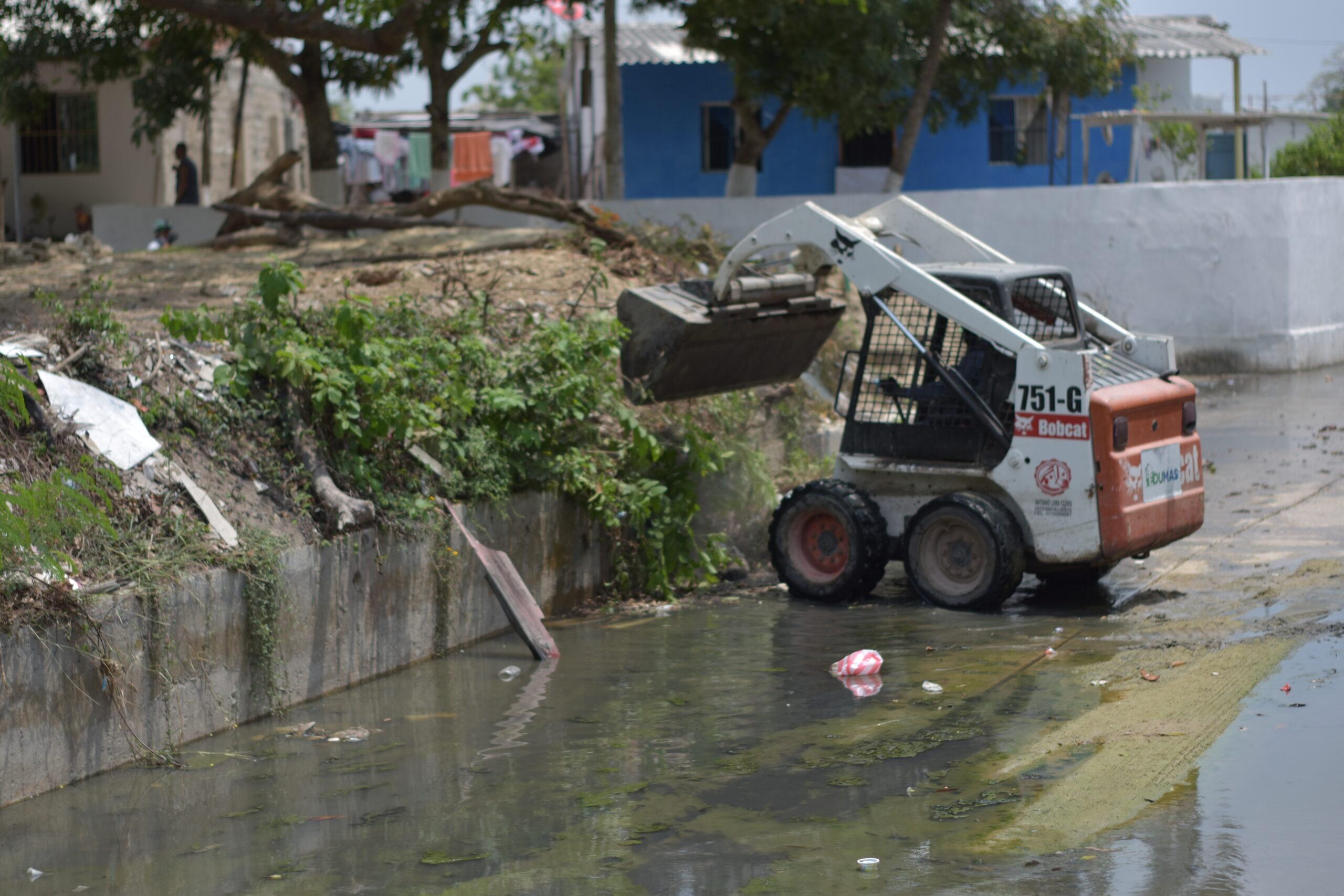 Edumas Remueve Cincuenta Toneladas De Residuos Sólidos En Arroyo 'El Salao' De Soledad